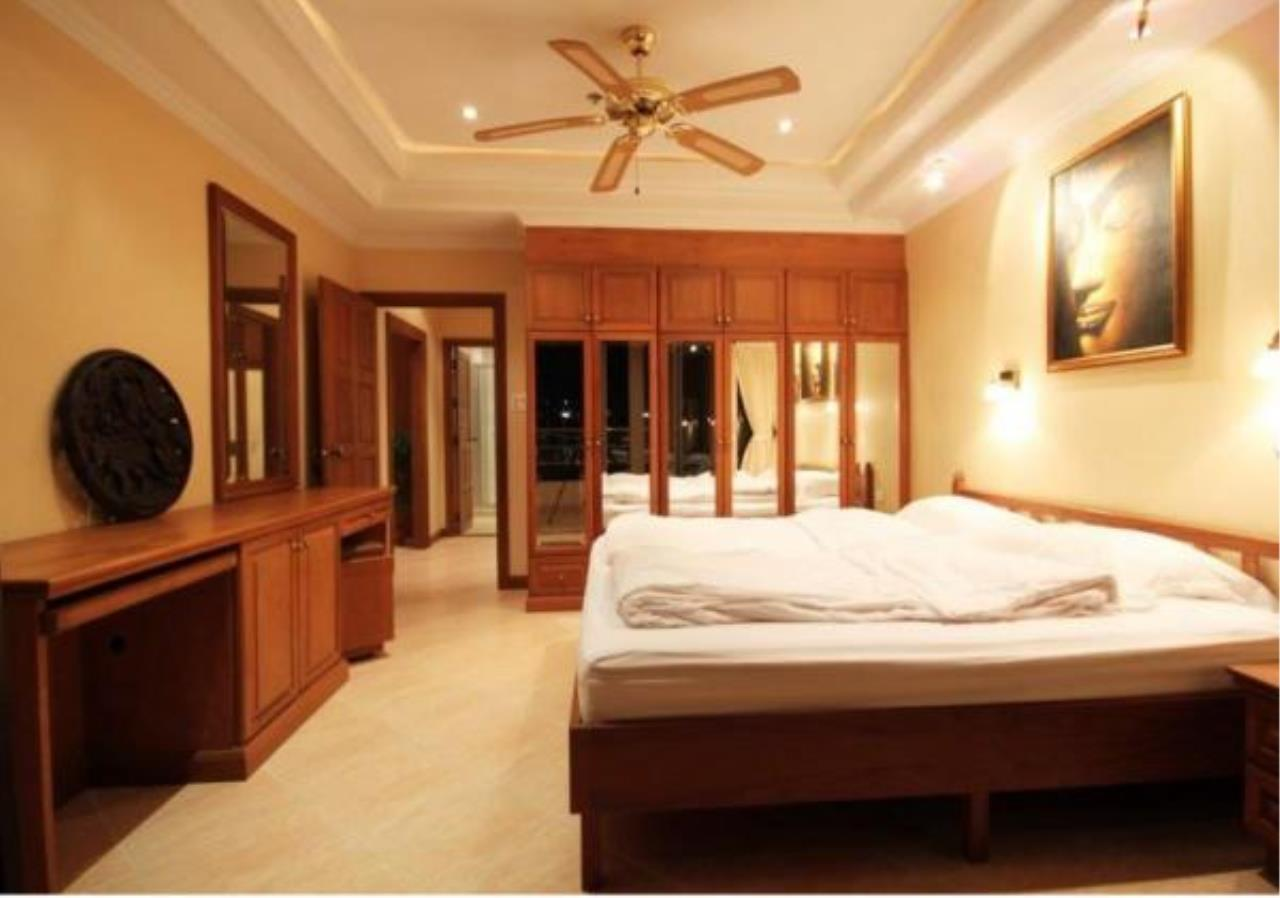 RE/MAX Town & Country Property Agency's 2 Bedrooms Sew View in Pratamnak 11