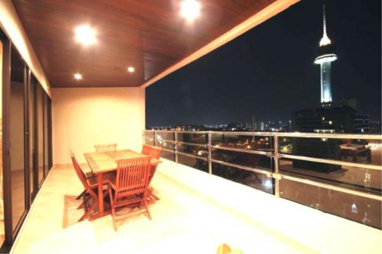 RE/MAX Town & Country Property Agency's 2 Bedrooms Sew View in Pratamnak 2