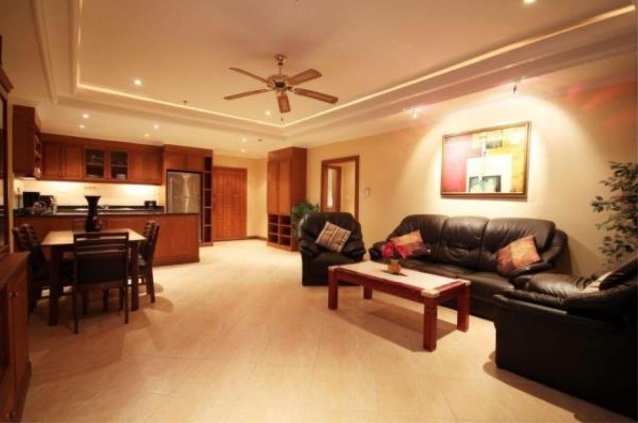 RE/MAX Town & Country Property Agency's 2 Bedrooms Sew View in Pratamnak 5