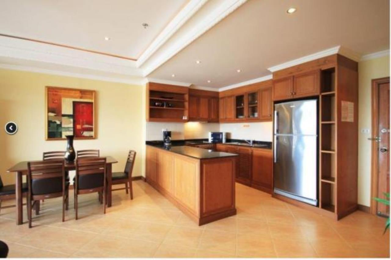 RE/MAX Town & Country Property Agency's 2 Bedrooms Sew View in Pratamnak 9