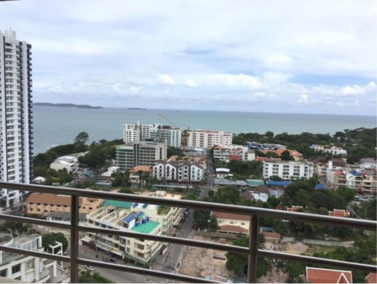 RE/MAX Town & Country Property Agency's Sea View condo for sale in Pratamnak 5