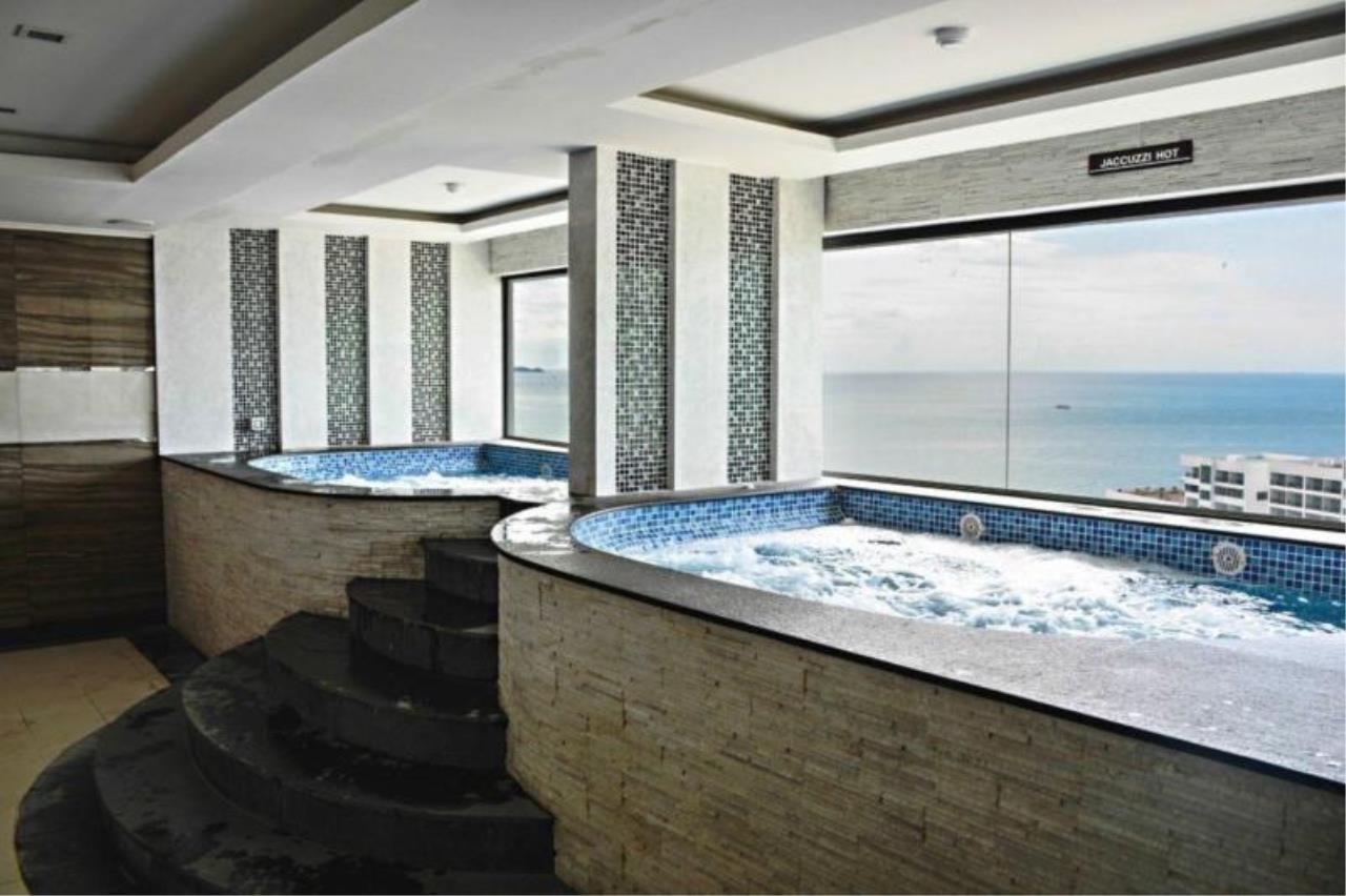 RE/MAX Town & Country Property Agency's Sea view studio on Pratumnak 10