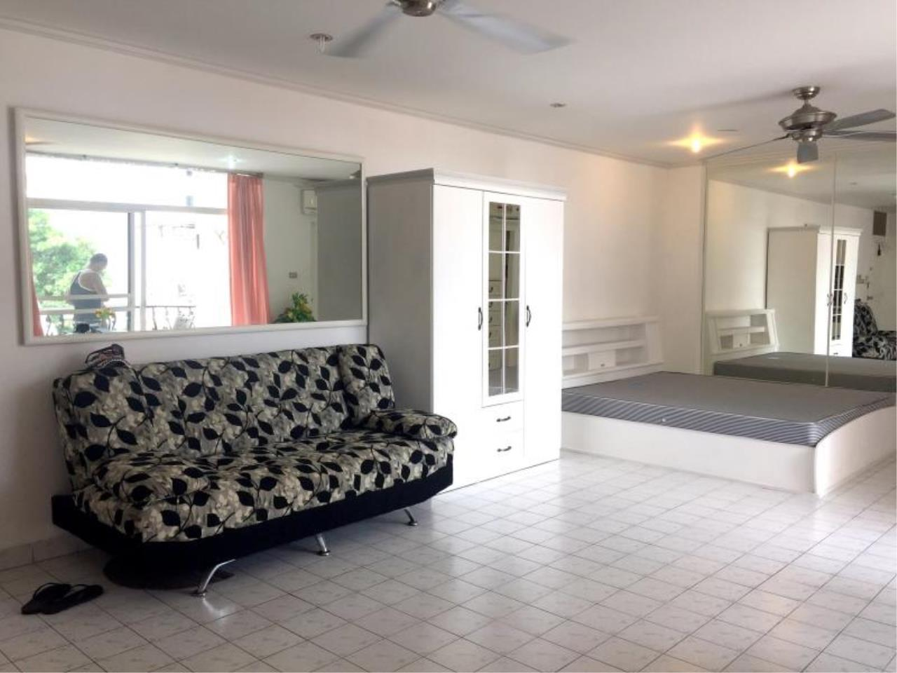 RE/MAX Town & Country Property Agency's Nice Studio in Pratamnak Hill 7
