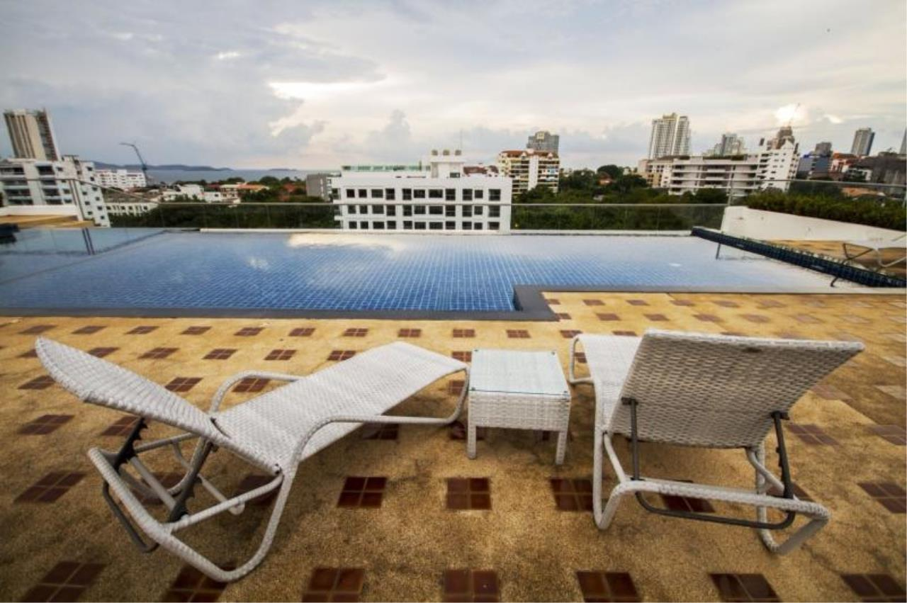 RE/MAX Town & Country Property Agency's 1 Bedroom in Pratumnak 1