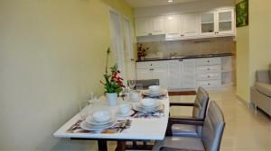 RE/MAX Town & Country Property Agency's Beautiful condo in Pratumnak 4