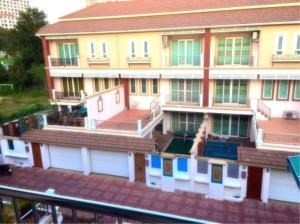 RE/MAX Town & Country Property Agency's 3 Storey Townhouse for sale in Pratamnak 1