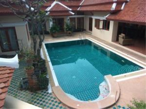 RE/MAX Town & Country Property Agency's Thai Bali Style Villa for Sale in Soi 5 Pratamnak Hill 1