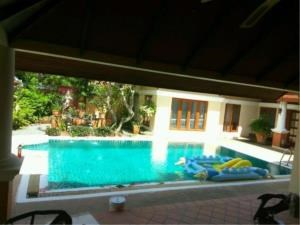 RE/MAX Town & Country Property Agency's Thai Bali Style Villa for Sale in Soi 5 Pratamnak Hill 5