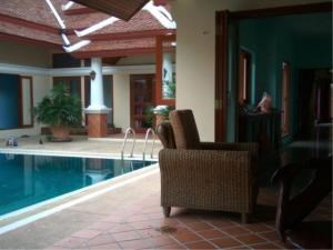 RE/MAX Town & Country Property Agency's Thai Bali Style Villa for Sale in Soi 5 Pratamnak Hill 6