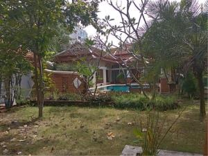 RE/MAX Town & Country Property Agency's Thai Bali Style Villa for Sale in Soi 5 Pratamnak Hill 9