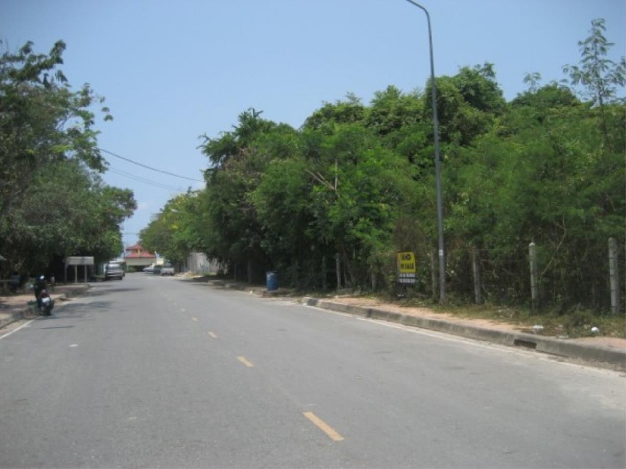 RE/MAX Town & Country Property Agency's Beach Land on Pratamnak Hill 8