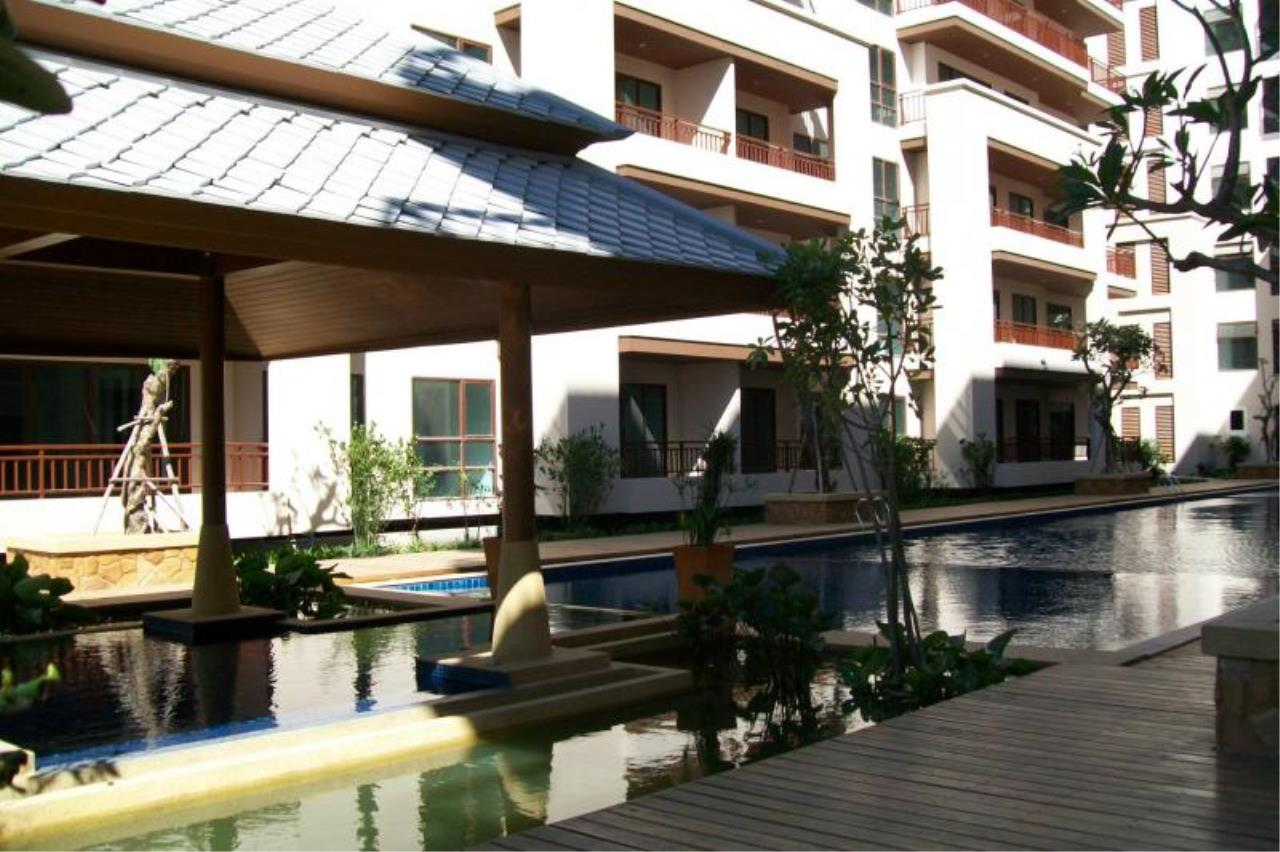 RE/MAX Town & Country Property Agency's Resort Condominium in the Heart of Pattaya. 3