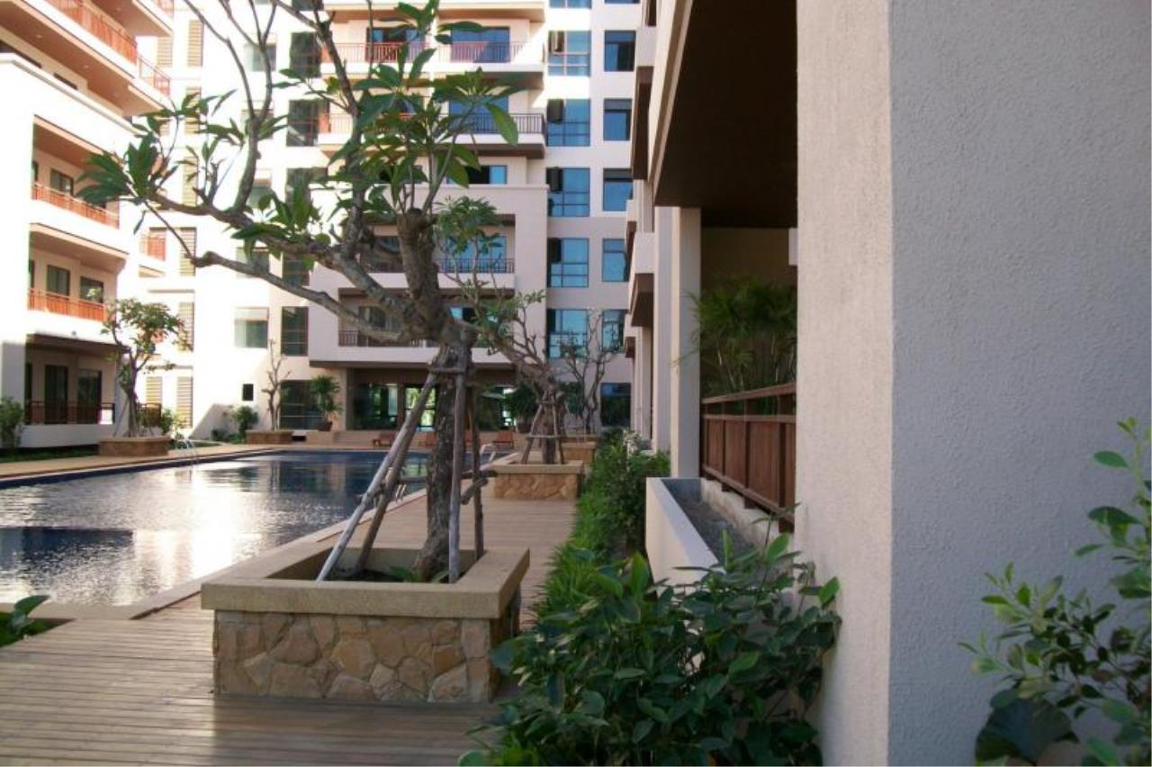 RE/MAX Town & Country Property Agency's Resort Condominium in the Heart of Pattaya. 4