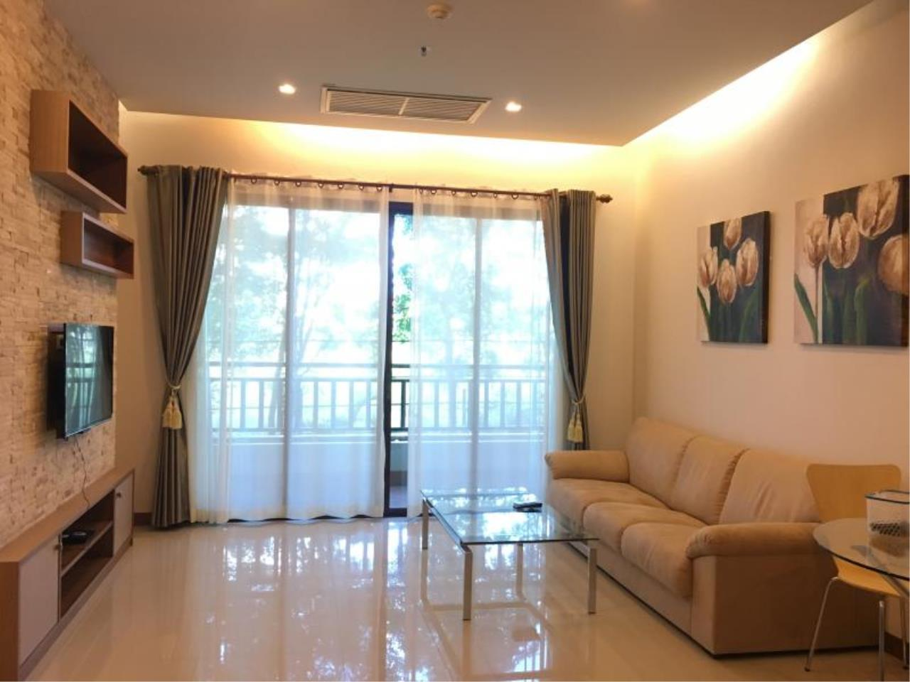 RE/MAX Town & Country Property Agency's Resort Condominium in the Heart of Pattaya. 5