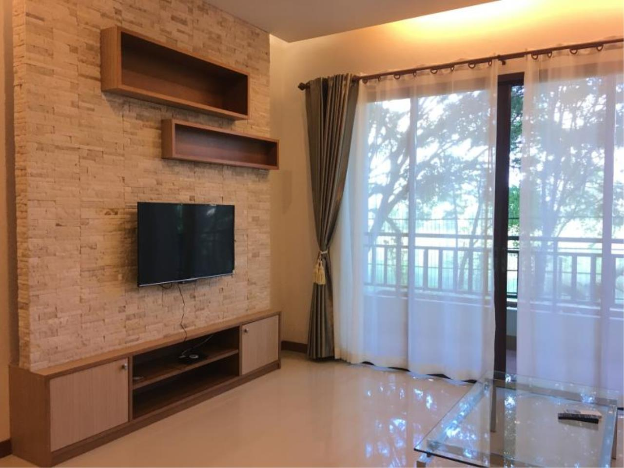 RE/MAX Town & Country Property Agency's Resort Condominium in the Heart of Pattaya. 6