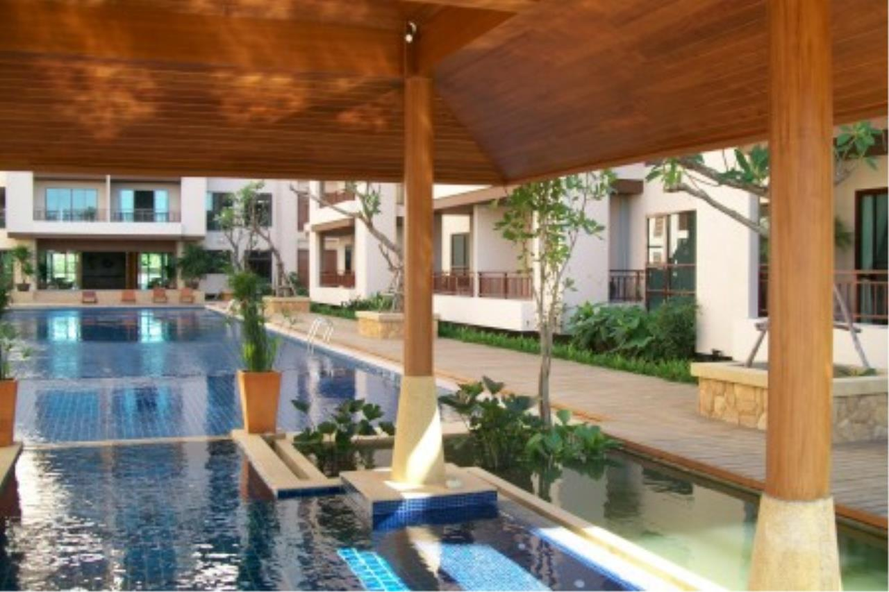 RE/MAX Town & Country Property Agency's Resort Condominium in the Heart of Pattaya 12