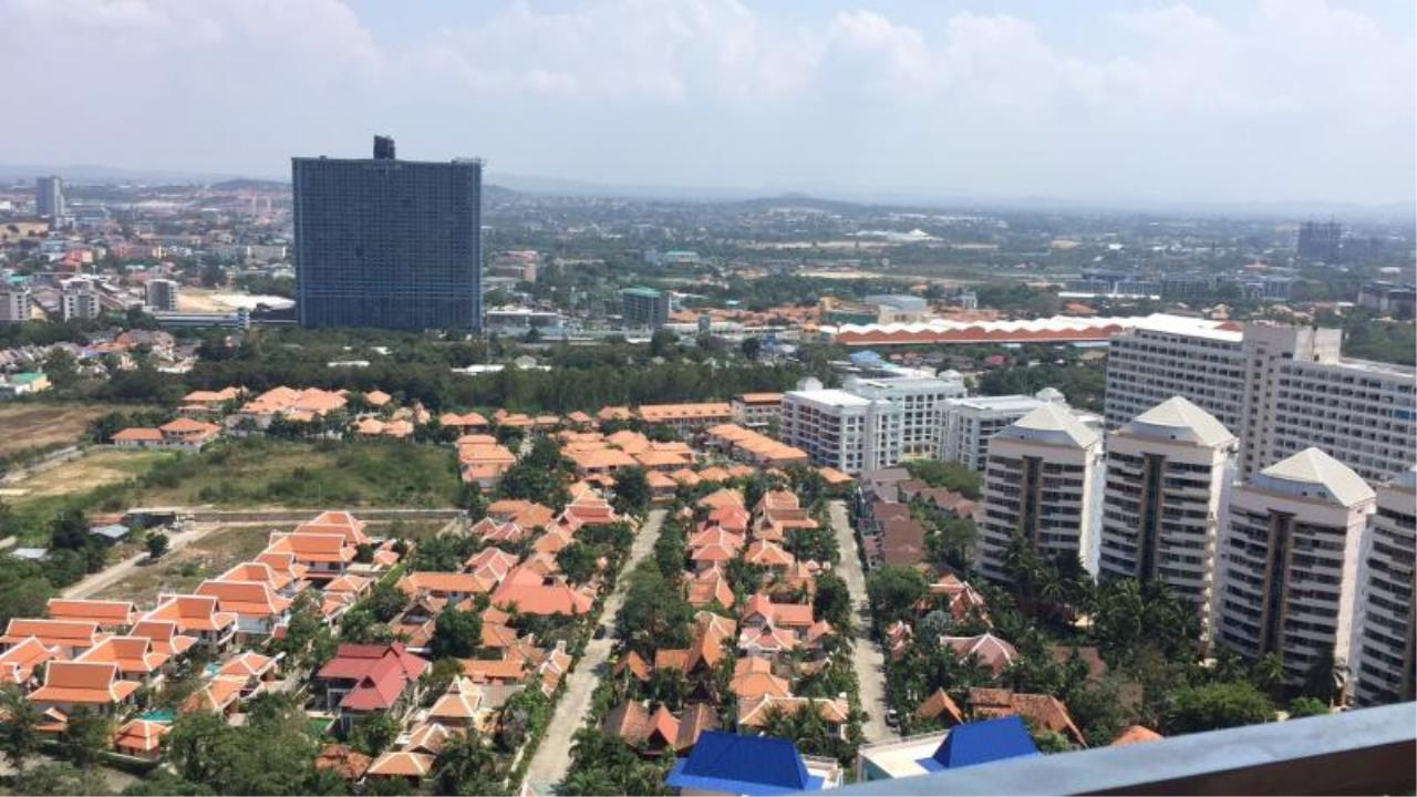 RE/MAX Town & Country Property Agency's Brand new condo in South Pattaya 7