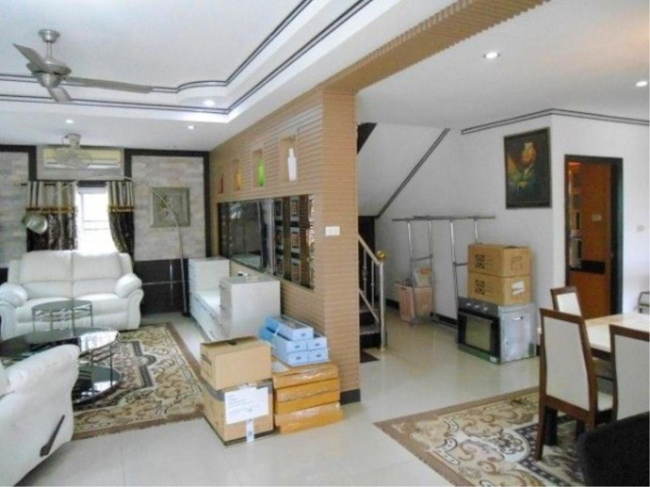 RE/MAX Town & Country Property Agency's 2 Storey house for sale 3