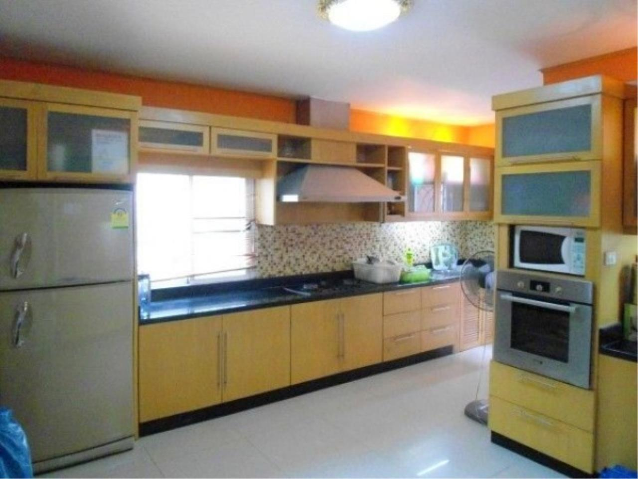 RE/MAX Town & Country Property Agency's 2 Storey house for sale 7