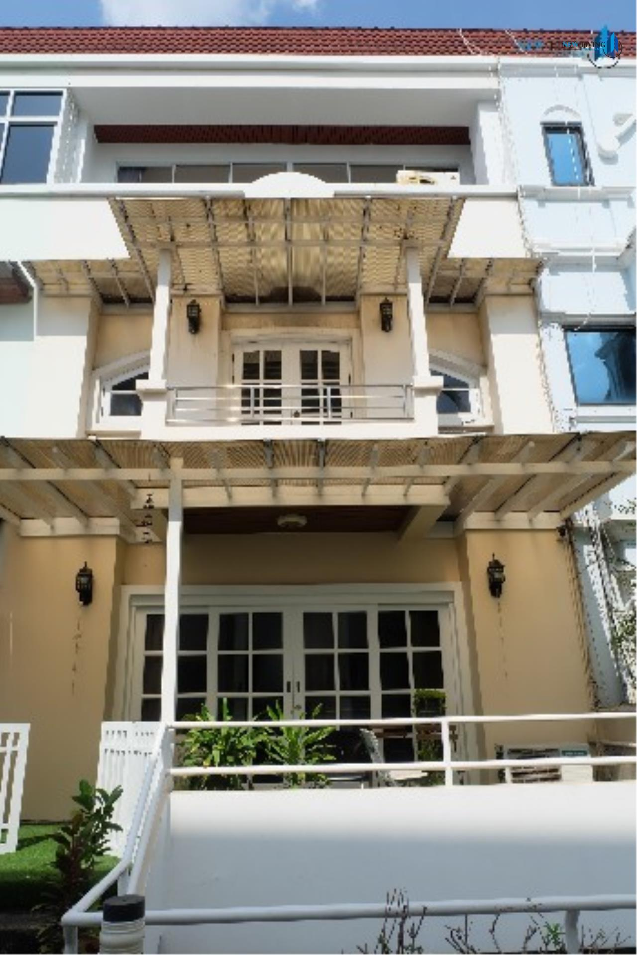New Living Thailand Agency's (promotion below!!) ++Urgent sale, Townhouse in Ari++ Townhouse Greenpeace Village ** 6 bedrooms, 5 bathrooms, open view 1