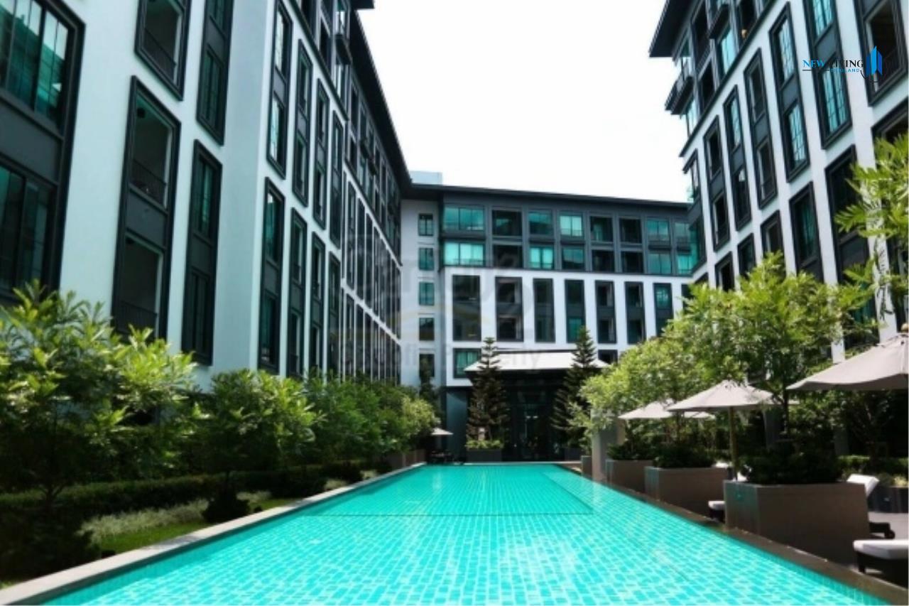 New Living Thailand Agency's >>> For RENT !! <<  The Reserve Kasemson 3 ** next to BTS National Stadium, Studio, 29 sq.m., Corner room 11
