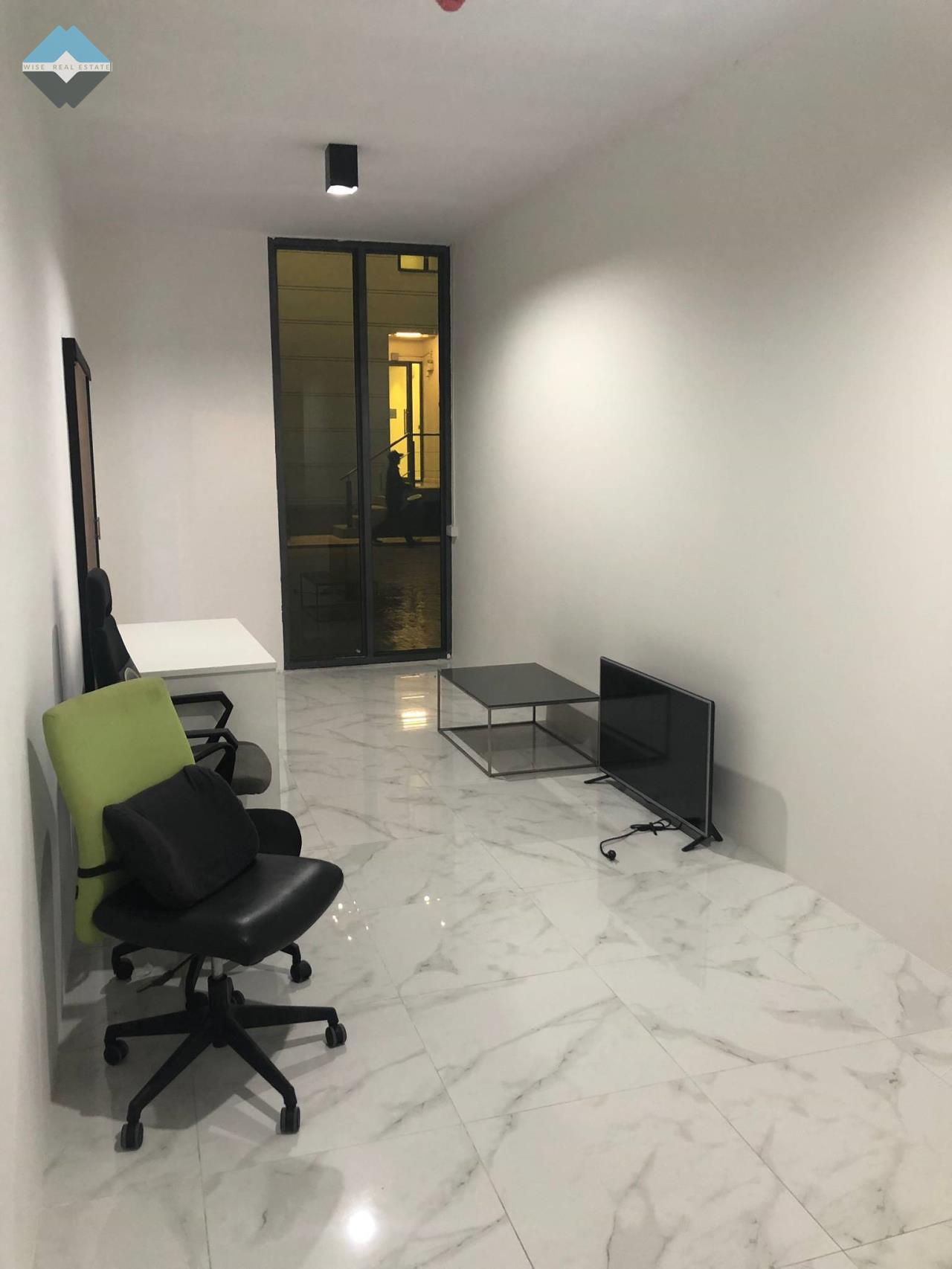 Wise Real Estate and Consultancy Agency's Office for rent  500M BTS On-nut 1