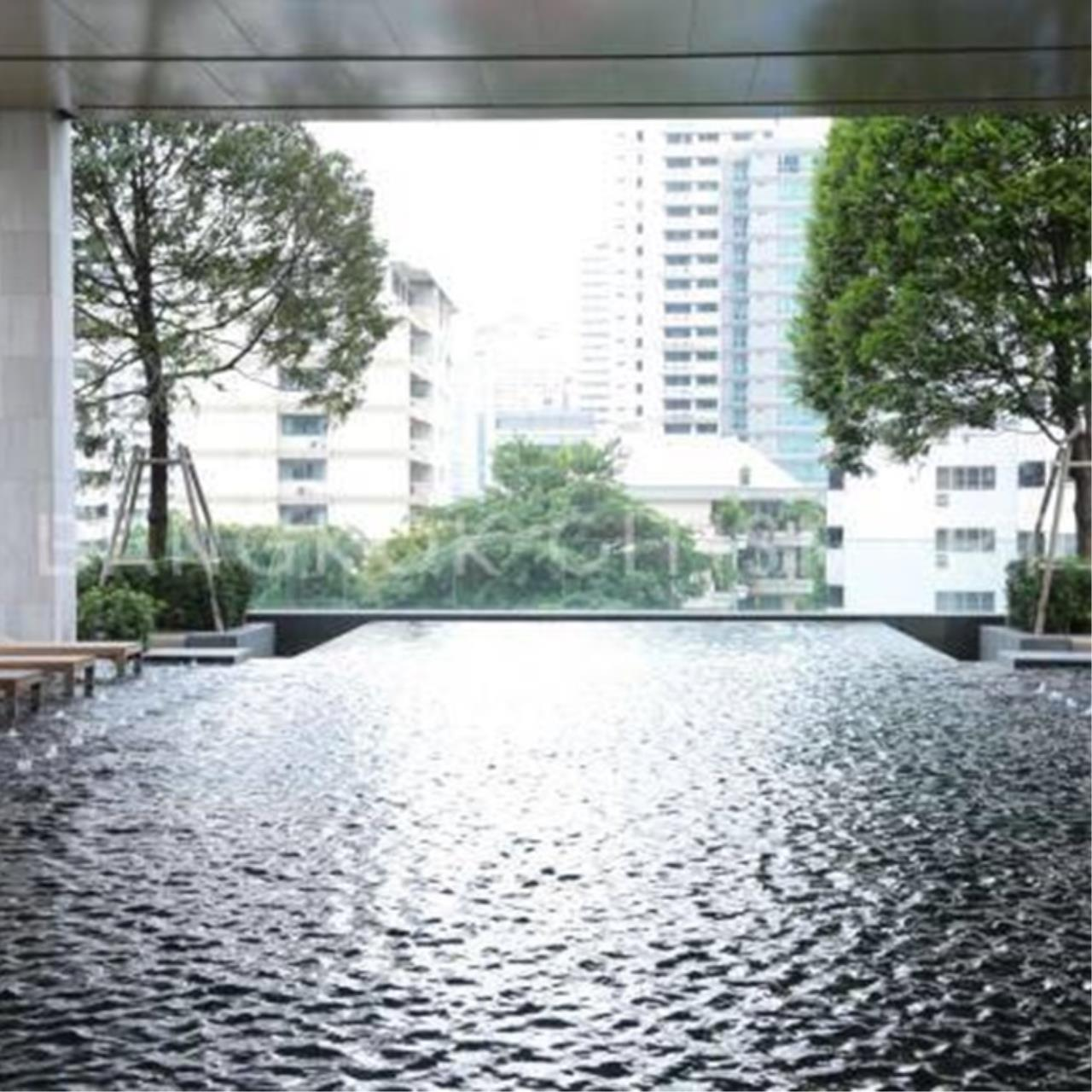 Property Thai Sale Agency's The XXXIX condo 39 by Sansiri  4