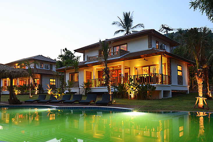 "RE/MAX Island Real Estate Agency's Garden ""Five"" Pool Villa Residence Location: Lamai: Mountain Side location with stunning scenic and sea views. Ref:0123V-LM 1"
