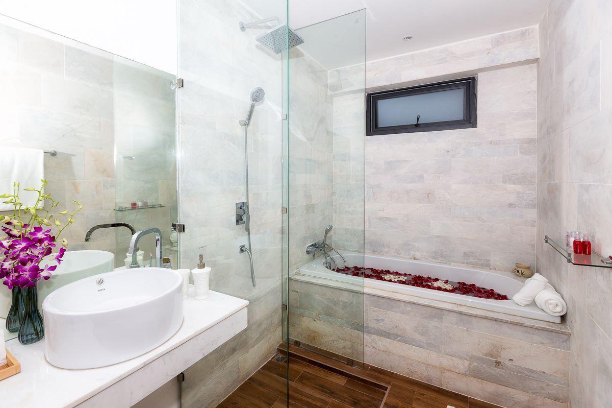 RE/MAX Island Real Estate Agency's Richmond Villa Samui Ref:R0102BR 9