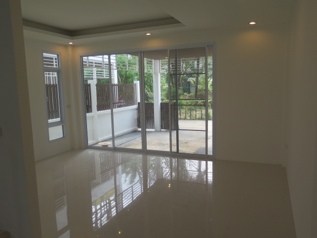 RE/MAX Island Real Estate Agency's Quality 2 Bedroom Townhouses Ref:0116H-BO 7