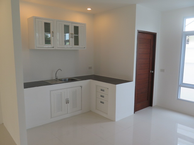 RE/MAX Island Real Estate Agency's Quality 2 Bedroom Townhouses Ref:0116H-BO 9