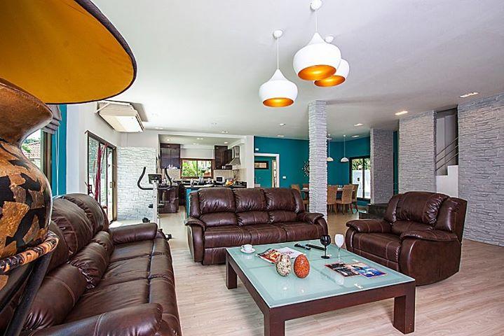 RE/MAX Island Real Estate Agency's 4 Bedrooms Villa for Sale in Bang Rak, Ko Samui  9