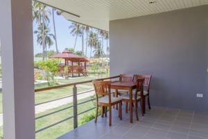 RE/MAX Island Real Estate Agency's 2 Bedrooms House for Rent in Meanam, Koh Samui 9