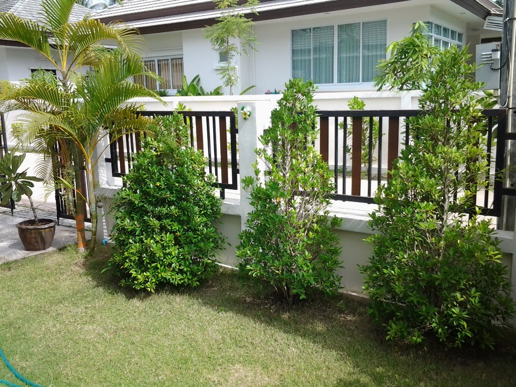 RE/MAX Island Real Estate Agency's 2 Bedroom villa for rent in Maenanm 2