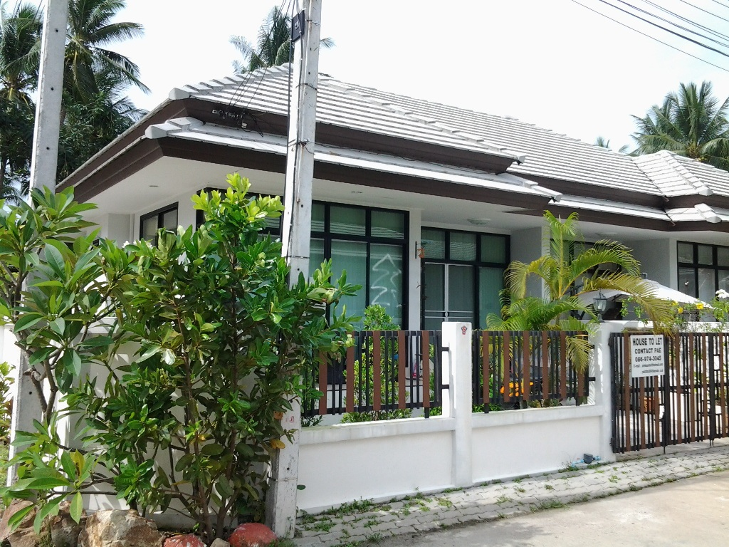 RE/MAX Island Real Estate Agency's 2 Bedroom villa for rent in Maenanm 1