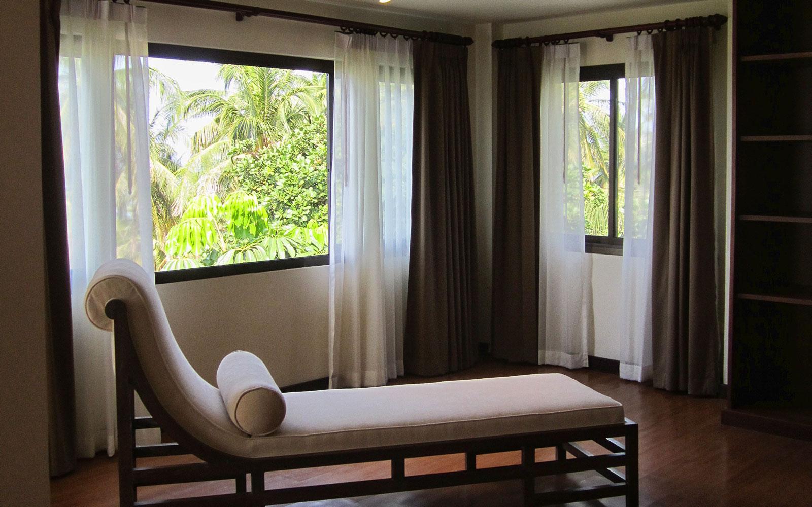 RE/MAX Island Real Estate Agency's 4 bedroom villa for rent in Bang Por, Ko Samui  7