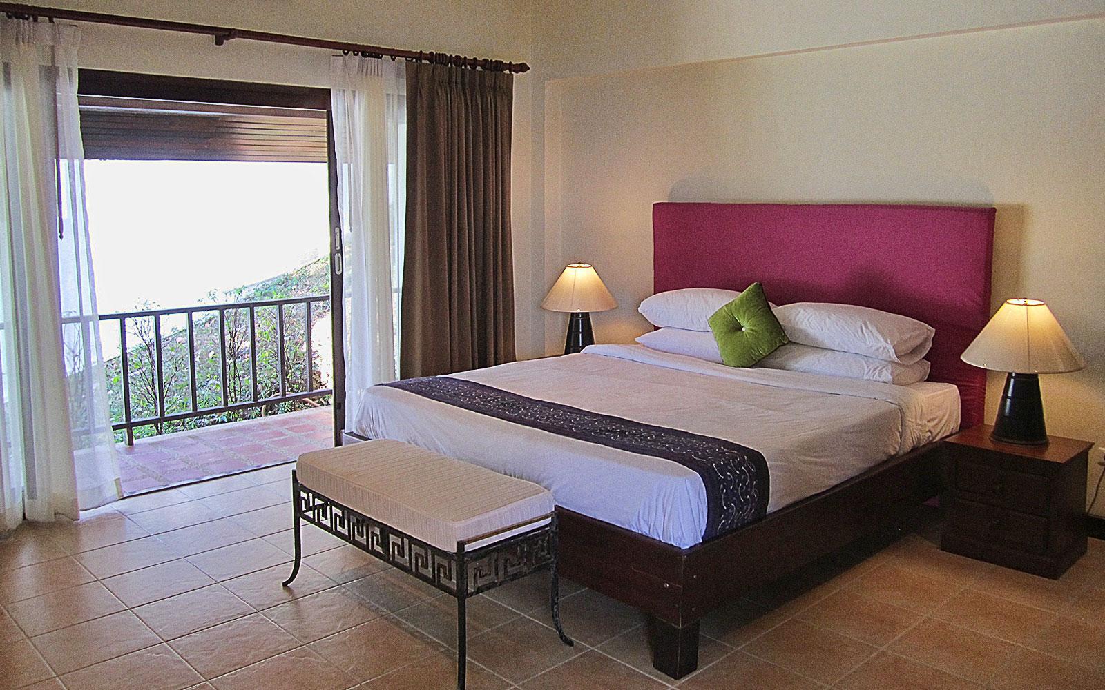 RE/MAX Island Real Estate Agency's 4 bedroom villa for rent in Bang Por, Ko Samui  2