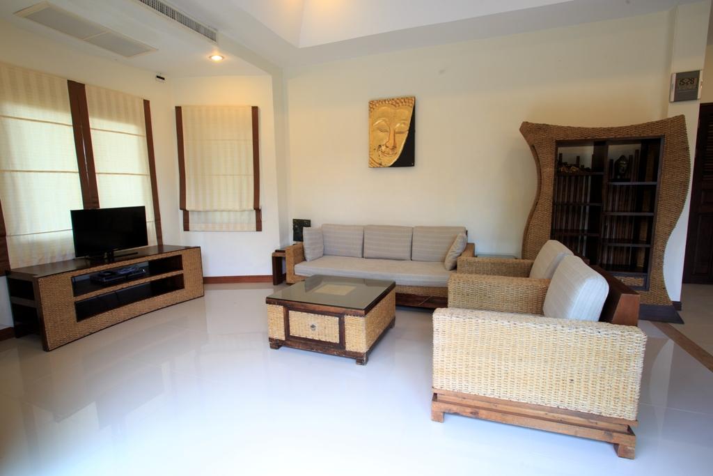 RE/MAX Island Real Estate Agency's 2 Bedroom villa for sale In Bophut,Koh Samui  11