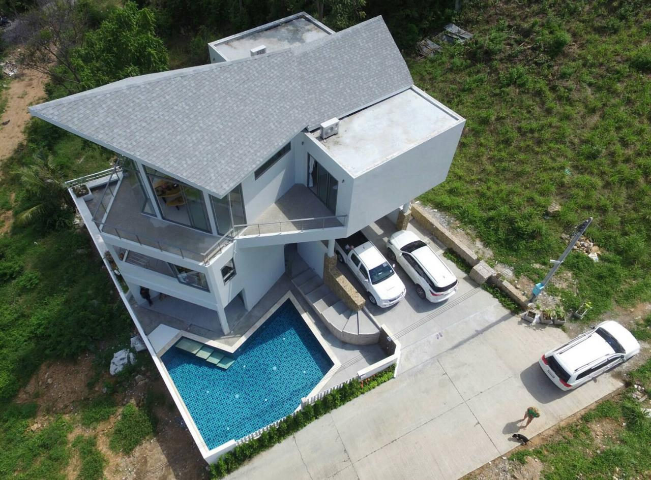 RE/MAX Island Real Estate Agency's A beautiful new sea view villa 13