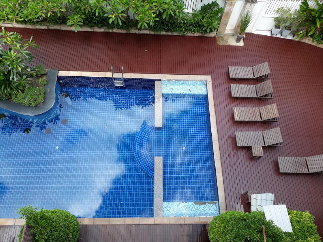 RE/MAX Island Real Estate Agency's One bedroom apartment with bathtub in Chaweng  1