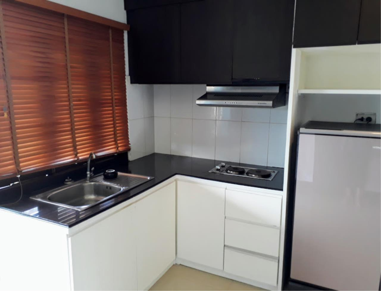 RE/MAX Island Real Estate Agency's One bedroom apartment with bathtub in Chaweng  2