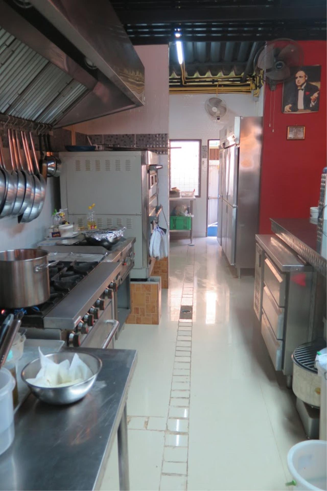RE/MAX Island Real Estate Agency's Italian restaurant for sale in Choeng Mo 6