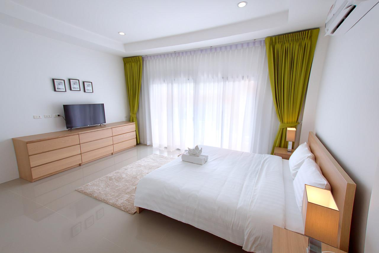 RE/MAX Island Real Estate Agency's Brand new 3 bedroom house in Choeng Mon Beach. 13