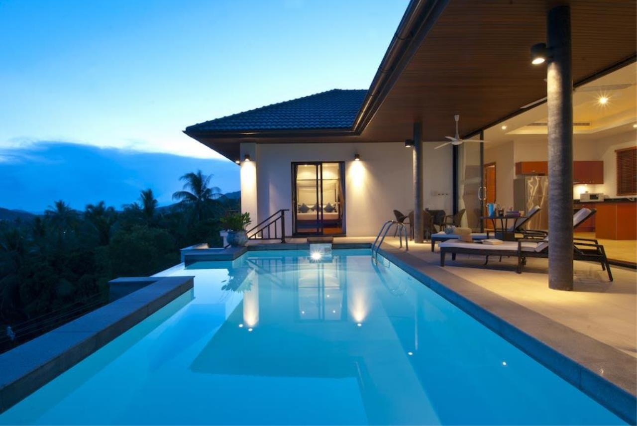 RE/MAX Island Real Estate Agency's Seaview villa for sale in Lamai 7