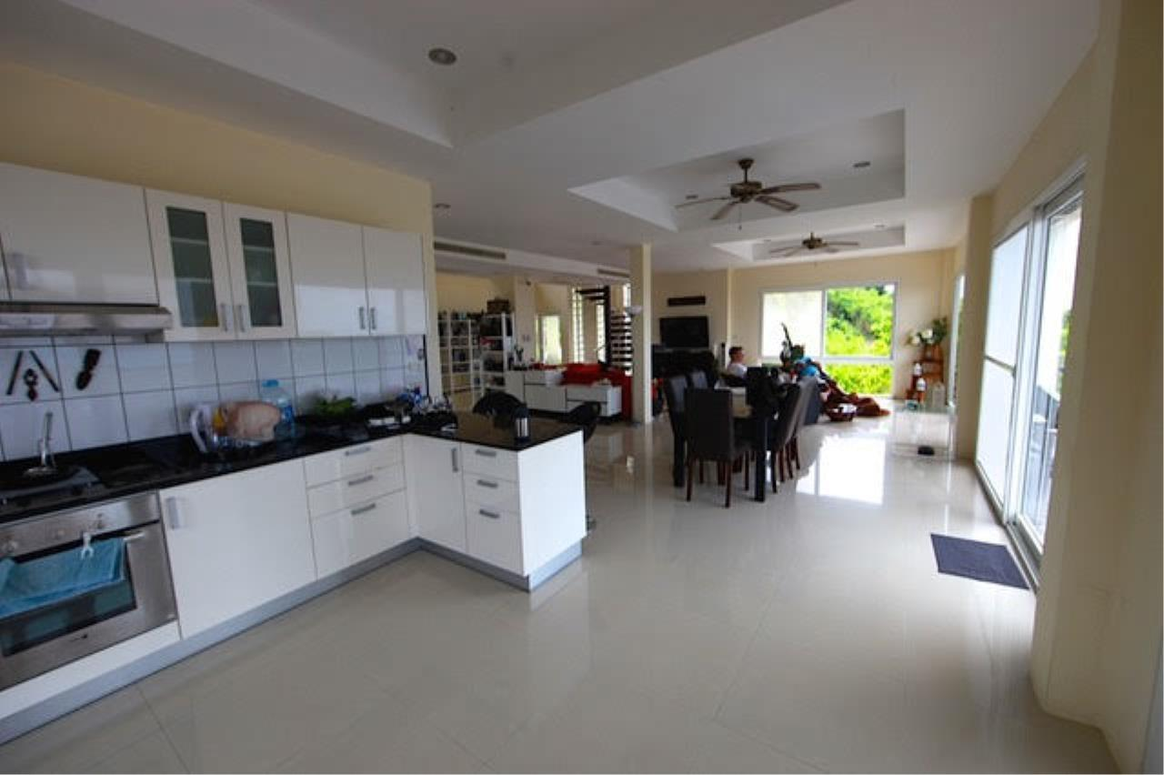RE/MAX Island Real Estate Agency's Bophut Sea View Villa for Sale 4