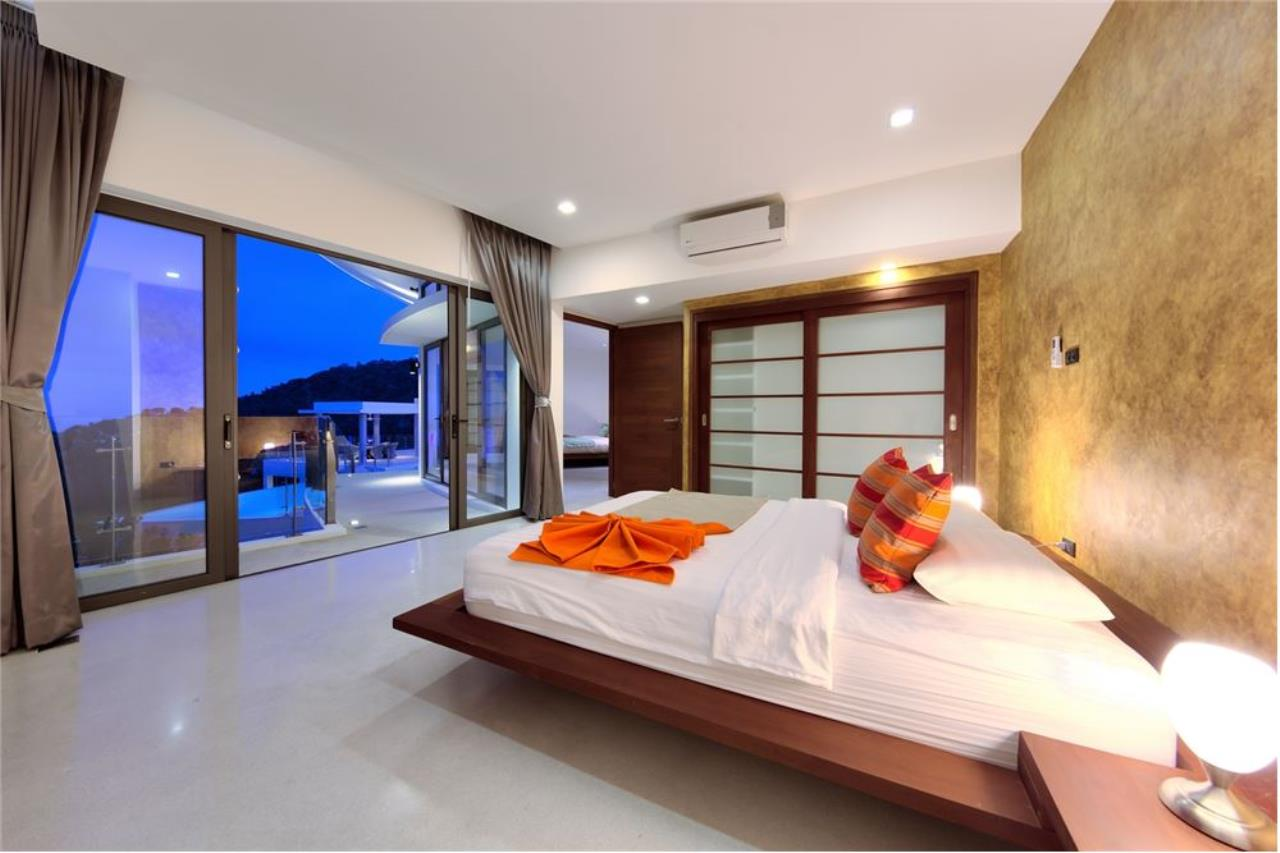 RE/MAX Island Real Estate Agency's Stunning Luxury Villa in Chaweng Noi, Koh Samui 24