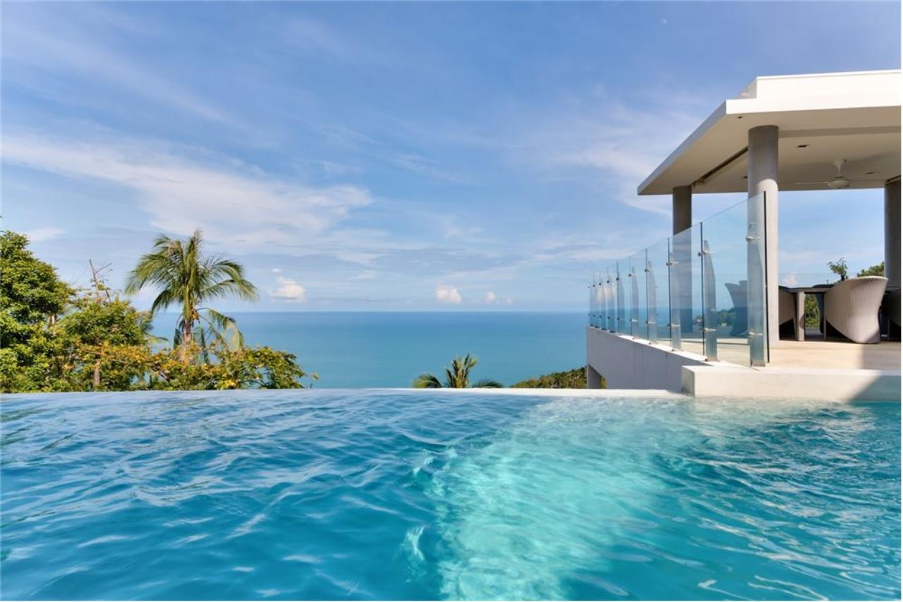 RE/MAX Island Real Estate Agency's Stunning Luxury Villa in Chaweng Noi, Koh Samui 3