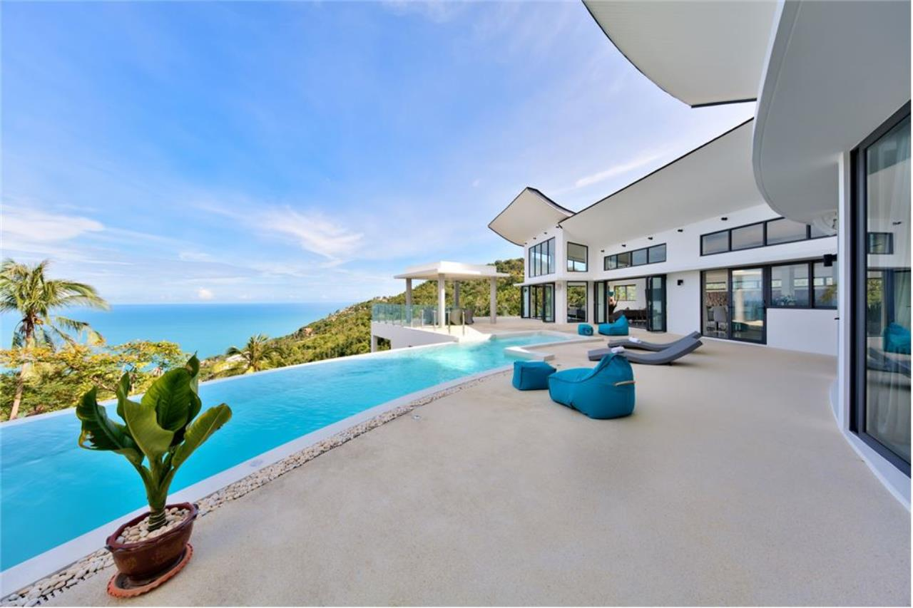 RE/MAX Island Real Estate Agency's Stunning Luxury Villa in Chaweng Noi, Koh Samui 1