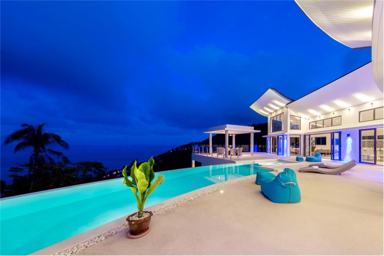 RE/MAX Island Real Estate Agency's Stunning Luxury Villa in Chaweng Noi, Koh Samui 5