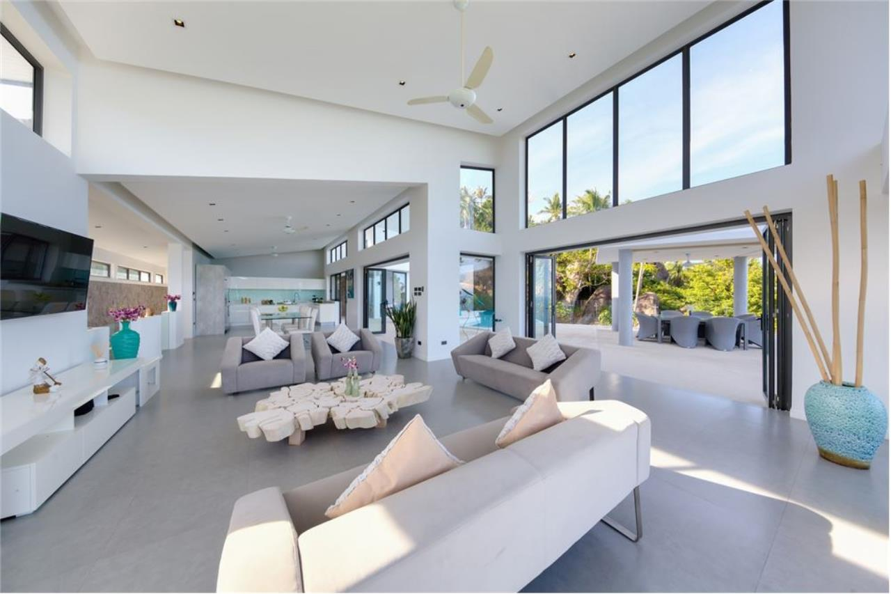 RE/MAX Island Real Estate Agency's Stunning Luxury Villa in Chaweng Noi, Koh Samui 18